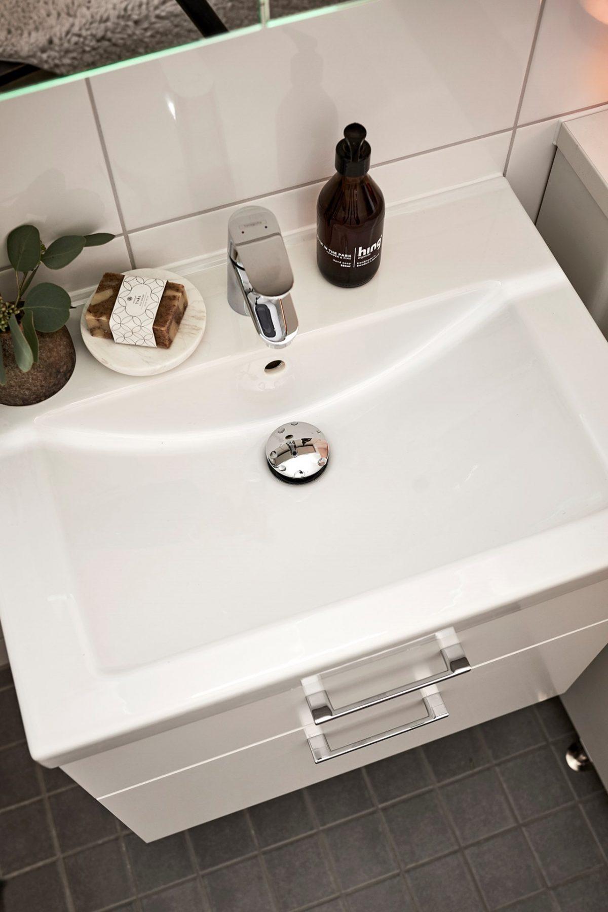 badrum detlajbild handfat